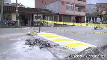 Inicia instalación de reductores de velocidad y señalización vial en El Agrado - Huila