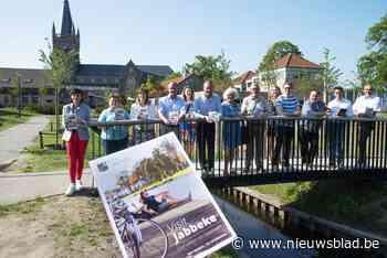 Jabbeke heeft nieuwe toeristische gids met wandel- en fietsroutes