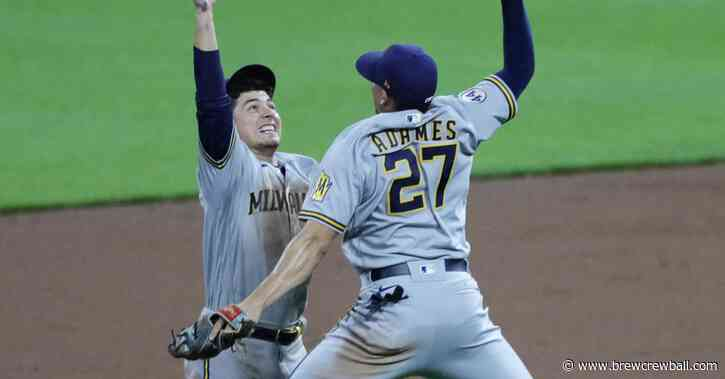 Brewers take down Reds, 5-1