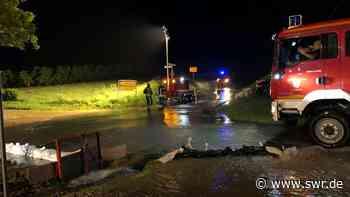 Schaden wegen Unwetter in BW: Brand durch Blitz in Herrenberg - SWR