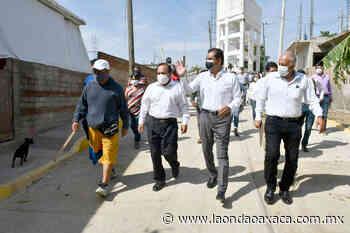 Entrega edil Oswaldo García Jarquín obra de pavimentación en San Luis Beltrán - La Onda Oaxaca