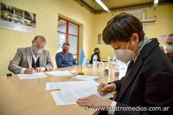 Quilmes: el Municipio firmó dos convenios de capacitación con la UnQui - Cuatro Medios