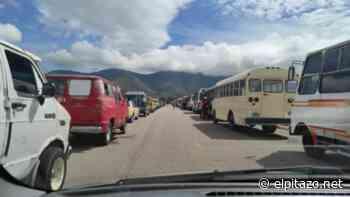 Notiaudio | Unidades de transporte público están paralizadas en Margarita por falta de combustible - El Pitazo