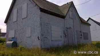 Cape Breton to start demolishing hundreds of old homes - CBC.ca