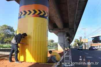 Arte em pilar do trem alerta para mais cuidados no trânsito - Jornal NH