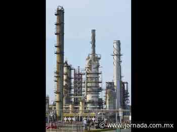 Ha habido sabotaje en refinería de Salina Cruz, acusa AMLO - La Jornada