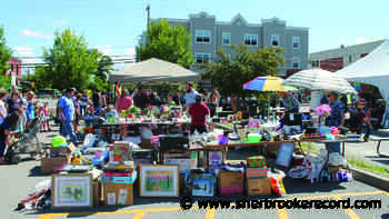 Sherbrooke says yes to garage sale season - Sherbrooke Record