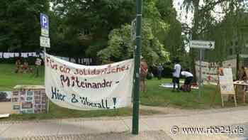 Ausländerbehörde Eberswalde: Barnimer Protestierende kritisieren Asylpolitik - rbb24