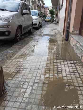 Barcellona Pozzo di Gotto: continuano gli sversamenti di acqua in via La Marmora - AMnotizie.it