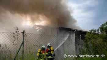 Großeinsatz in der Oberpfalz: Lagerhalle nach Feuer zerstört - Hoher Sachschaden - Nordbayern.de