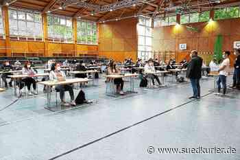 Triberg: Platz für die Realschulprüfung ist nur in der Sporthalle - SÜDKURIER Online