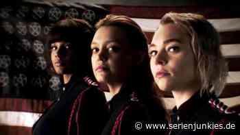 Motherland - Fort Salem: Trailer zur 2. Staffel der Freeform-Serie - Serienjunkies