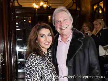 Jane McDonald says thanks as supporters raise £12,000 for Wakefield Hospice in memory of Eddie Rothe - Wakefield Express