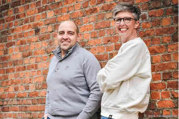 """Collega's Michael en Leentje richten 'stad voor singles' op: """"Hier is het liefde op het tweede gezicht"""""""