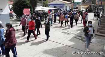 Huancavelica: Personal de salid realiza plantón por falta de pago de bonos COVID - 19 - Diario Correo