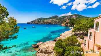 Mallorca-Urlaub online oder im Reisebüro buchen: Was ist günstiger? - STERN.de