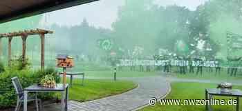Werder-Fans bringen Hospizgast ein Ständchen: Grün-weiße Emotionen im Vareler Hospiz - Nordwest-Zeitung