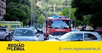 Colisão provoca três feridos leves e corta trânsito na cidade de Leiria - Região de Leiria