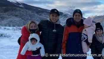 Los jugadores de Boca Juniors Almendra y Marcos Rojo de vacaciones por El Calafate y Ushuaia - El Diario Nuevo Dia