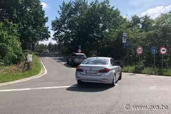 Slagbomen moeten zwaar verkeer uit Sperwerlaan weren (Grobbendonk) - Gazet van Antwerpen