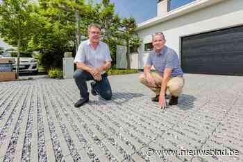 Stad breekt beton en asfalt op in woonbuurten aan Mechels Broek
