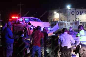 Choca de frente tras brincar camellón en la Casas Grandes - Netnoticias
