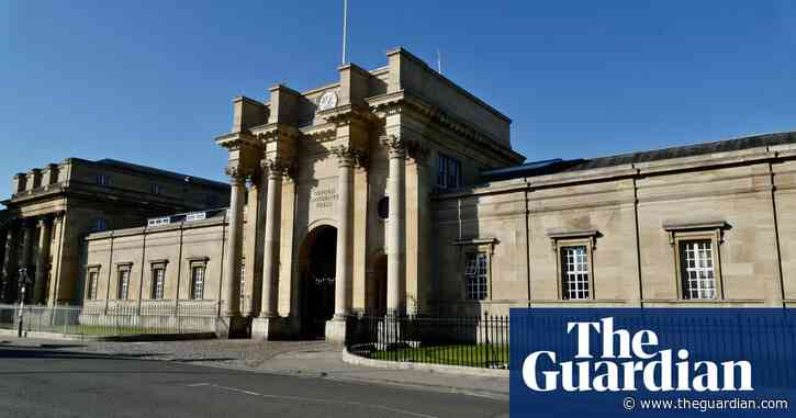 Oxford University Press to end centuries of tradition by closing its printing arm