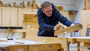 Konfrontation im Kreistag: Handwerkskammer will Teil der Tischlerausbildung nach Flensburg verlegen – der Kreis wehrt sich   shz.de - shz.de