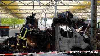 Staatsanwaltschaft: Brandstiftung bei Reibekuchen-Truck - Süddeutsche Zeitung