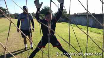 Goleiro Rodrigo, do Real Ariquemes, volta a treinar após a recuperação de lesão no ombro - globoesporte.com
