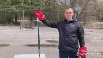 Girls hockey coach still on ice despite permanent suspension for punching threats