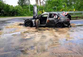 Brennendes Auto legt Berufsverkehr lahm - Monheim, Langenfeld - Super Tipp