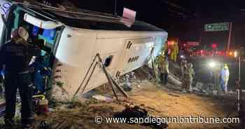 Mueren 7 empleados de maquila en volcadura en Baja California - San Diego Union-Tribune en Español