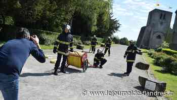 Les sapeurs-pompiers de Bergues ont joué les mannequins, au cœur de la cité des remparts - Le Journal des Flandres