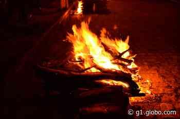 Santa Cruz do Capibaribe proíbe fogueiras, comercialização e soltura de fogos de artifício - G1