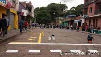 Prohíben circular y estacionar sobre calle Santiago del Estero - todojujuy.com