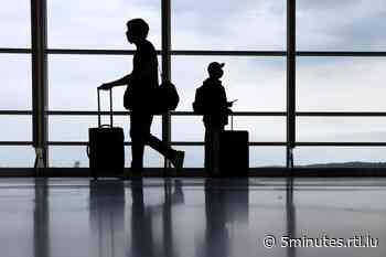 Forte inflation: Les prix des billets d'avion s'envolent - RTL 5 Minutes
