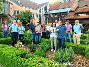 """Kandern: Daumen hoch für die Genossenschaft """"Dorfmitte Holzen"""" - Kandern - www.verlagshaus-jaumann.de"""