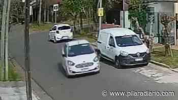 VIDEO - Robo de espejos de autos en el centro de Pilar - Pilar a Diario