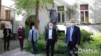 Alois Karl besucht die historische Druckerei Seidel in Sulzbach-Rosenberg - Onetz.de