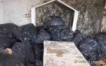Restos mortais descartados irregularmente são encontrados em cemitério de Silva Jardim - Jornal O Dia