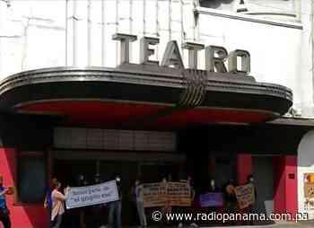 Artistas vuelven al Teatro Balboa para exigir devolución de instalaciones - Radio Panamá