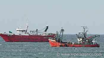 Tres barcos en cuarentena en la rada de Puerto Madryn - El Patagonico