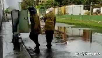 Higuerote | Bomberos apagan incendio en cajetín de Cantv con agua encharcada por lluvias - El Pitazo