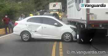 Hay paso restringido en la vía Bucaramanga-San Gil por accidente - Vanguardia