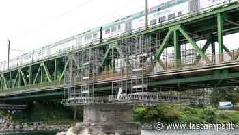 Chiude per lavori il ponte tra Galliate e Turbigo: Trenord organizza i bus sostitutivi - La Stampa