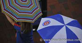 The Cubs have banned umbrellas at Wrigley Field. Here's why they should change that. - Bleed Cubbie Blue
