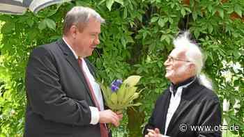 Blumen für den Saalfelder Edwin Kratschmer zum 90. - Ostthüringer Zeitung
