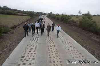 Arróniz Reyes supervisa avance en construcción de camino La Concepción-Cuto de la Esperanza - Meta Política