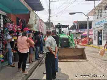 """Comerciantes de Tuxtepec """"paran"""" obra de rehabilitación de agua potable en el centro - TV BUS Canal de comunicación urbana"""